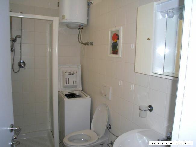 Lavatrice In Bagno 3 Soluzioni: Lavatrice in bagno soluzioni la casa rosso papavero.