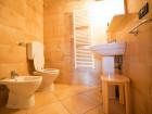 bagno finestrato con box doccia